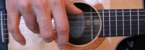 guitare-main